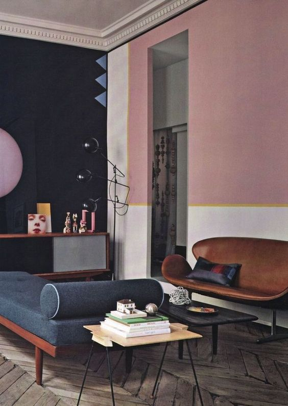 Lovely-mix-of-dark-blue-and-blush-pink-with-midcentury-modern-furniture.jpg