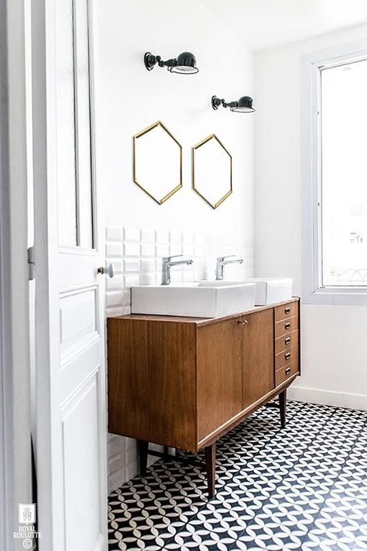 Contemporary-midcentury-modern-bathroom-with-beautiful-tiles.jpg