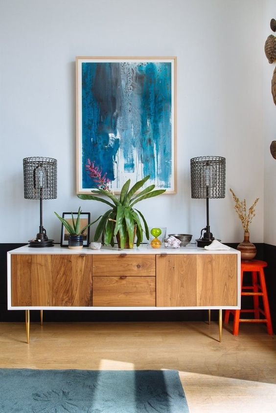 Charming-wall-art-and-midcentury-modern-furniture.jpg