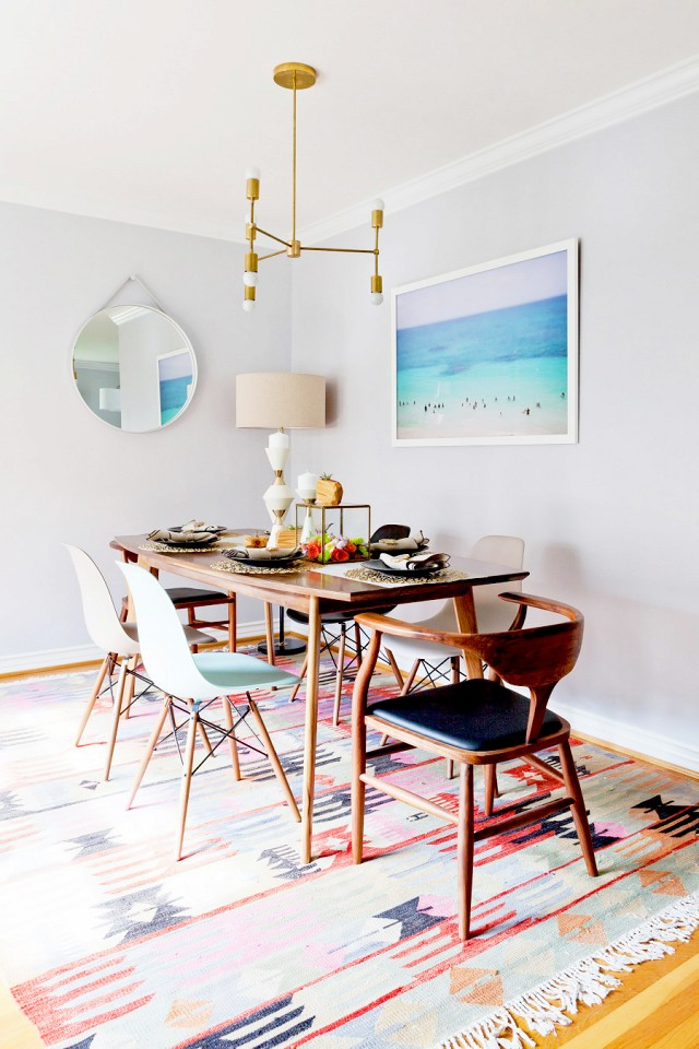 Beautifully-styled-dining-room-with-midcentury-modern-furniture.jpg