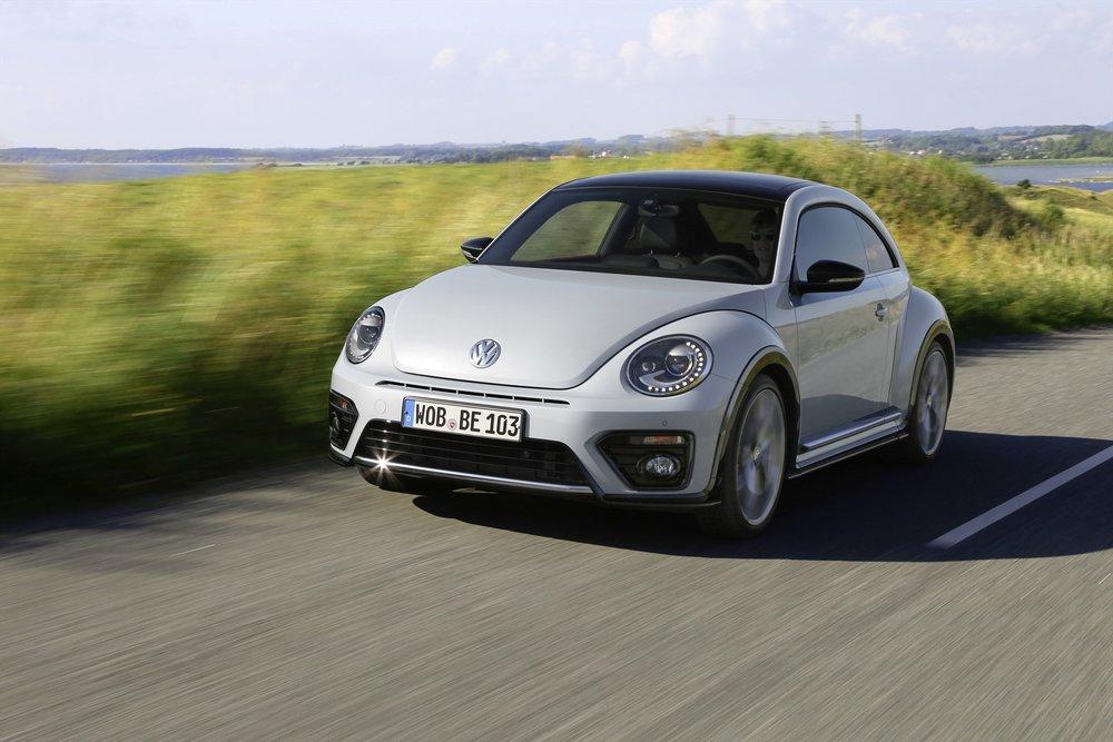 volkswagen-beetle_-driving-002_1800x1800-479413.jpg