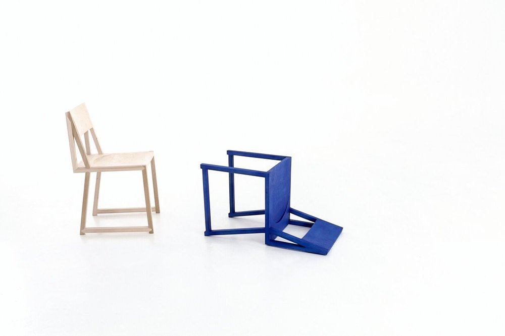 Dokter And Misses,The Blue Chair.