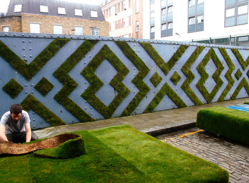 anna-garforth-moss-graffiti-designboom-06.jpg