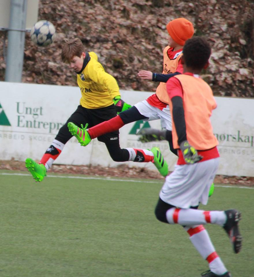 Bilde tatt av Snorre Burmo: Kristoffer i aksjon som keeper