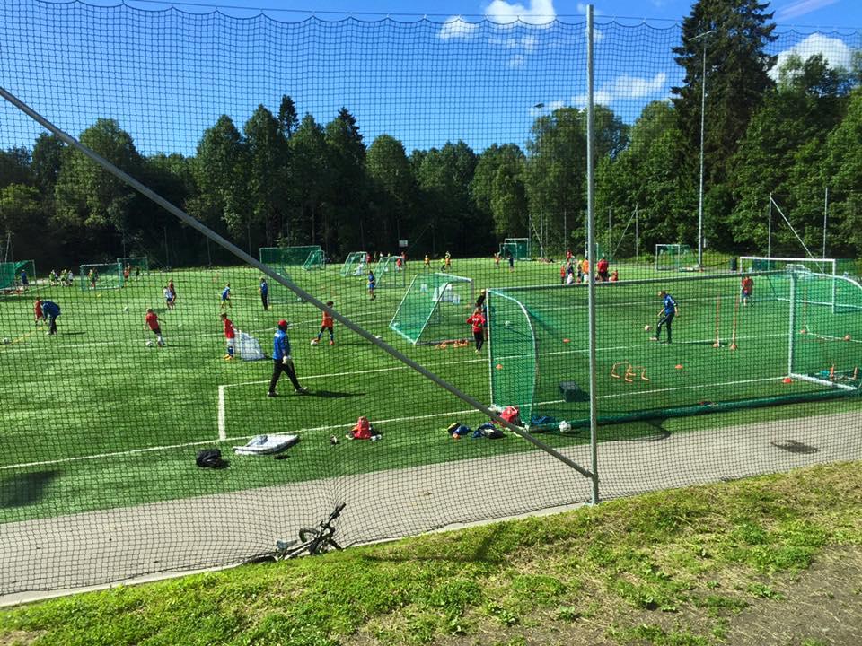 2aea632b Lyn Fotball arrangerer som alltid to fotballskole i løpet av sommeren (26.  - 29. juni og 14. - 17. august). Aldersgruppene som kan melde seg på er  2004 ...