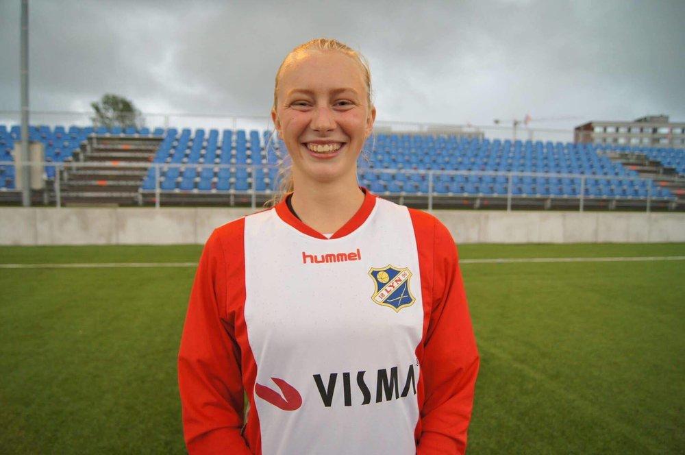 Una header inn Lyn sitt første mål mot Oppsal