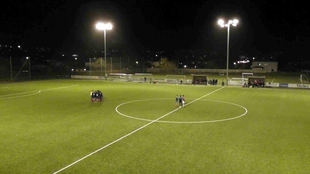 Lagene gjør seg klar for kamp på treningsbanen til Odd, like utenfor Skagerak Arena.