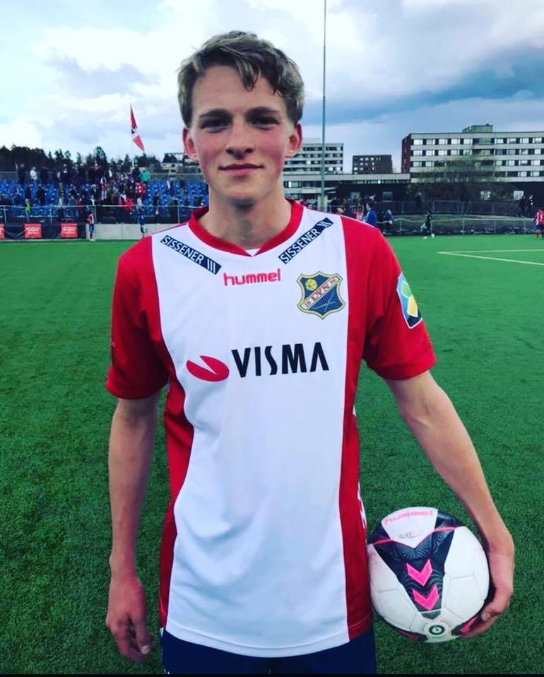 Vi gratulerer Mikkel med debut for Lyns A-lag hjemme mot Junkeren i 3.divisjon!
