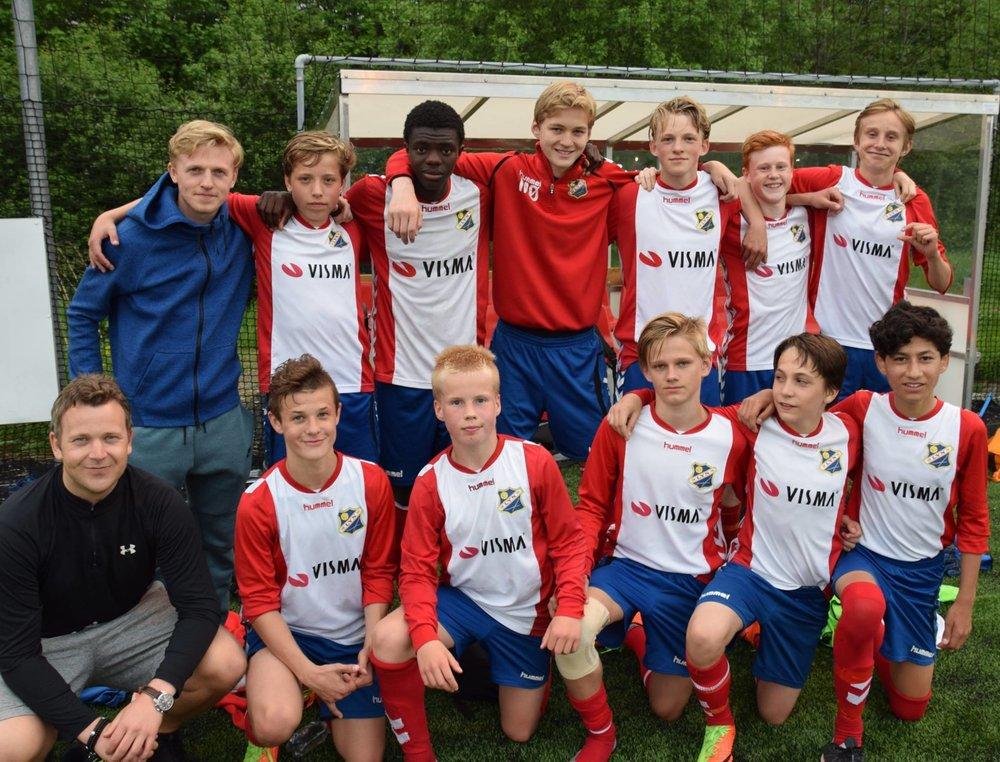 Mikal Aaserud har vært med i 3,5 år som trener for denne gjengen, og Mats Møller Dæhli har var fast trener for gutta da han var skadet i 2015 sesongen. I årene etter har han fulgt med gutta og vært innom flere treninger og kamper med gjengen. #Mesterlære