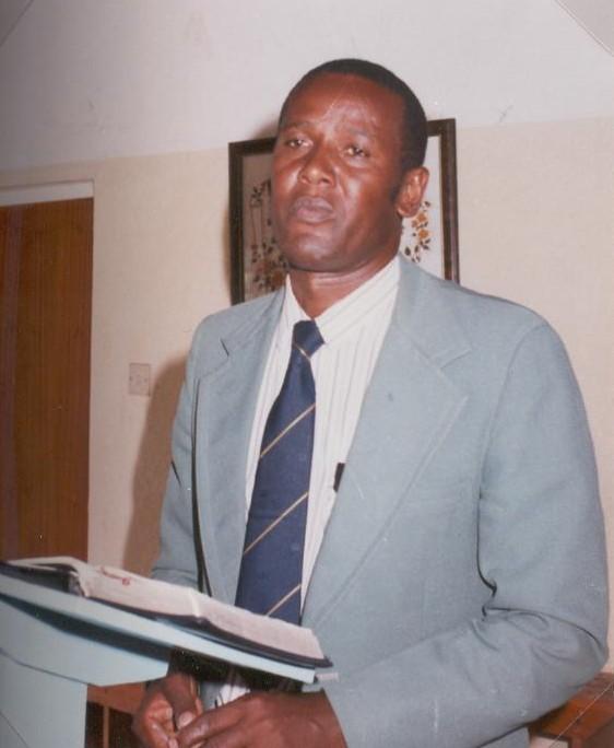 1994 Biskop Akyoo Mount Meru Diocese.JPG