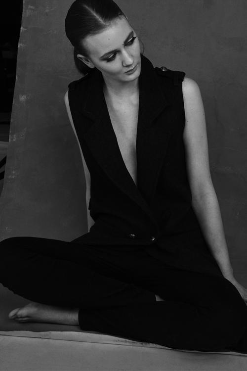 model AMELIE makeup SARAH LADOUCEUR hair ESTEBAN NAULT
