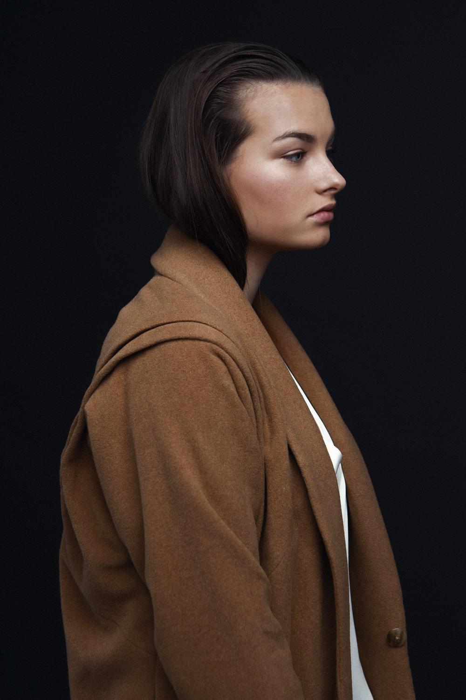 model LEANNE makeup&hair SARAH LADOUCEUR