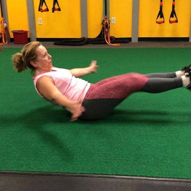 Abs on 🔥 #fitness #corestrength #chiro #fitforlife #prettyinpink