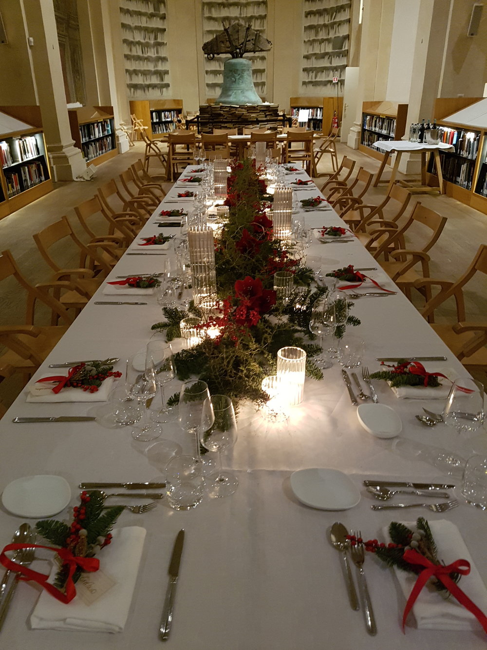 bABBO NATALE TABLE SETTING (4).jpg
