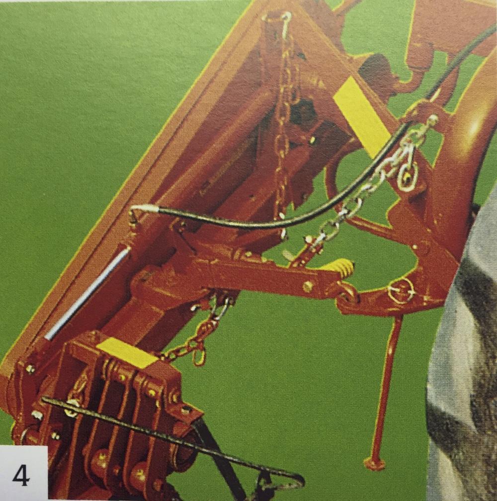 Maskinen utrustad med hydraulisk lyft (extra utrustning)