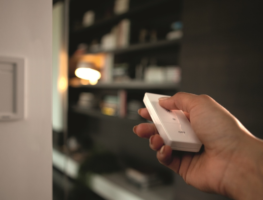 Operating the Dimmer Switch as a remote control - photograph courtesy of philips
