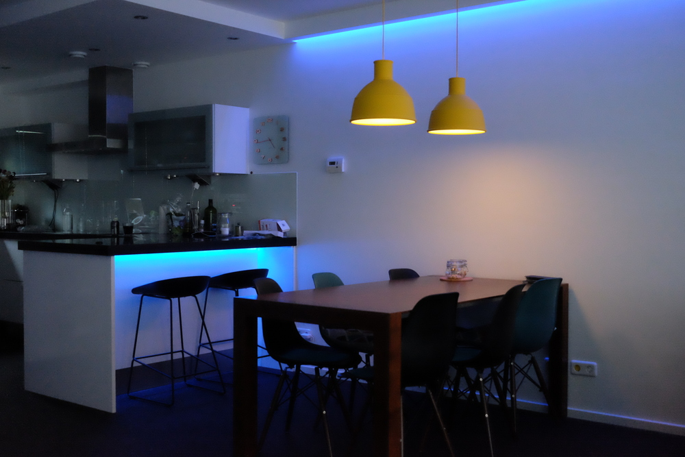 Upgraded lighting installation with a 6 meters cove - Photograph Philippe Regnier