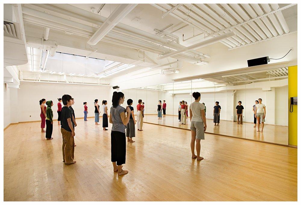 F07-DNA-studio-dancers.jpg
