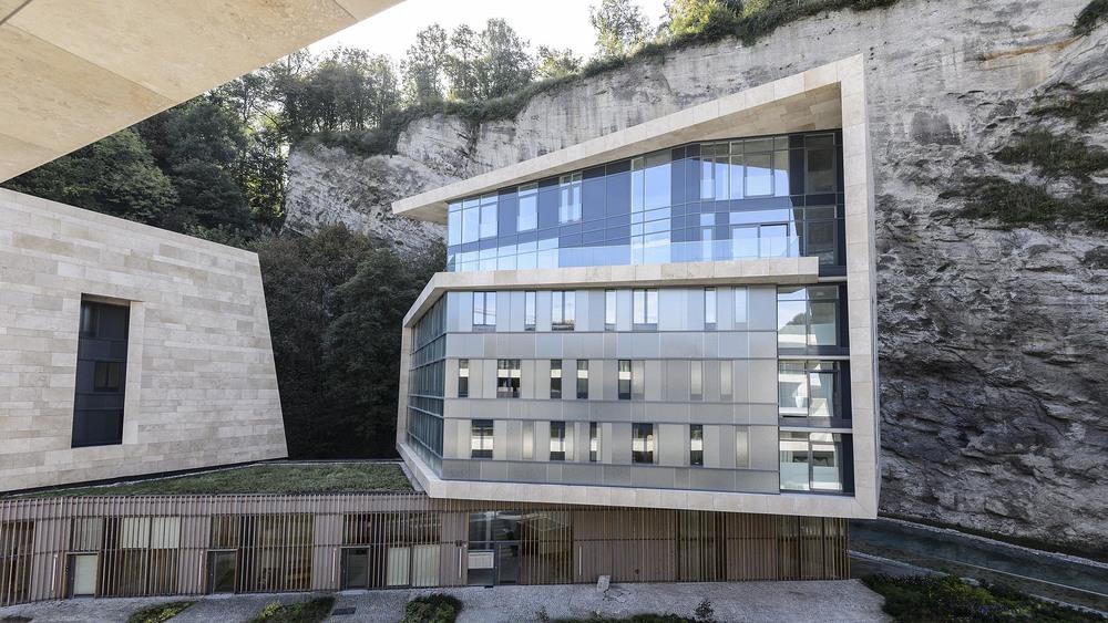09 Building B.jpg