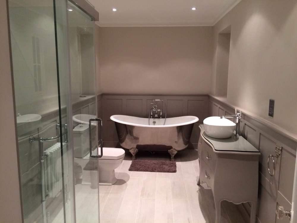 rzezas bathroom.jpg