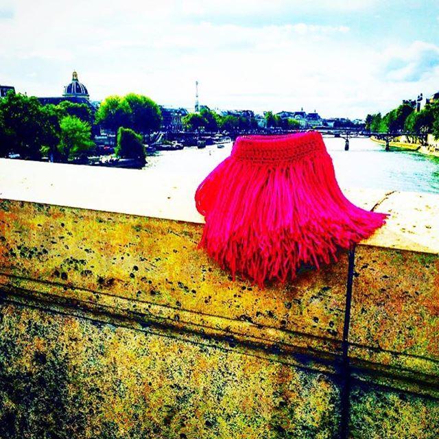 Thunder Candy takes Paris #ss18collection #elliotmannbag #jardindestuileries #paris #parisfashionweek #elliotmannnyc #elliotmann #lilasouk