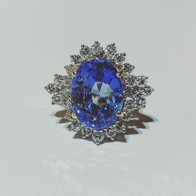 #unheatedsapphire #estate #jewelrypie #9.62cts