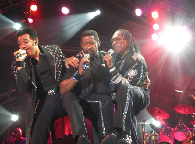 The_Commodores_in_St__Kitts.JPG