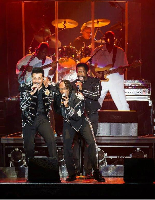 COMMODORES_PIC1111.jpg