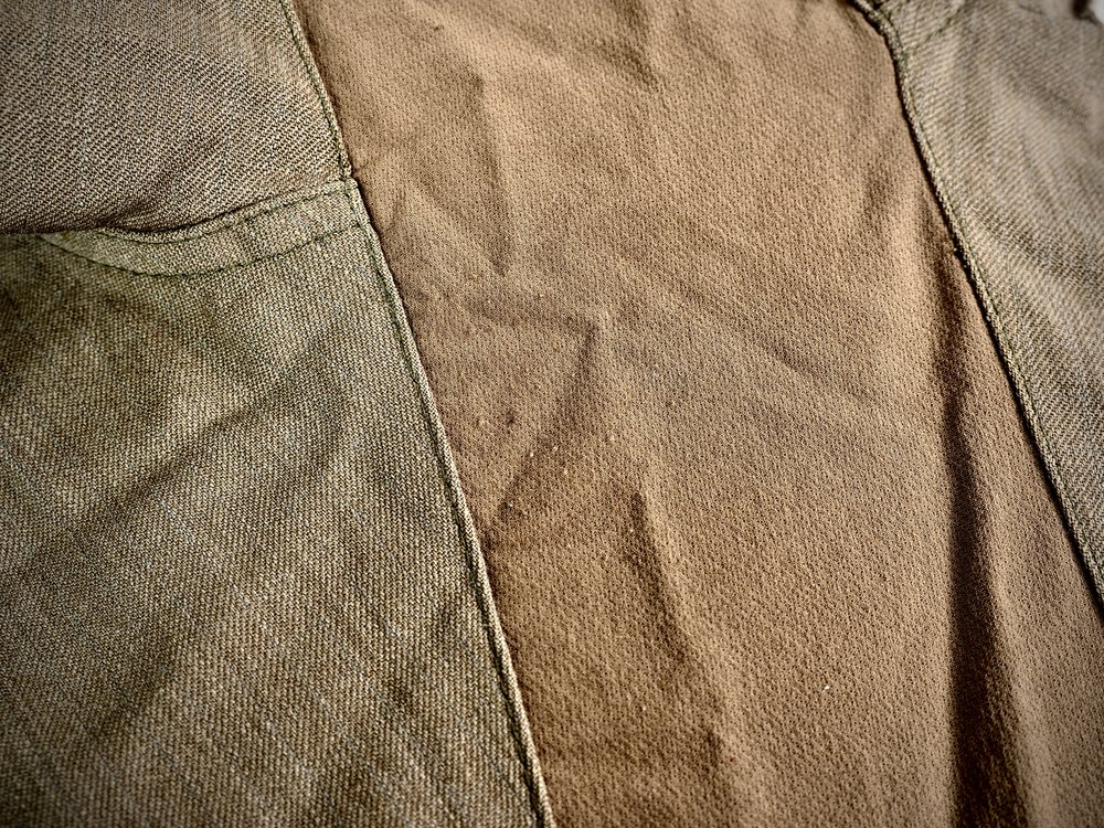 A close up of the stretch panel of the Kanab.  You can see some of the fabric balling up which makes me wonder how long they'll last.