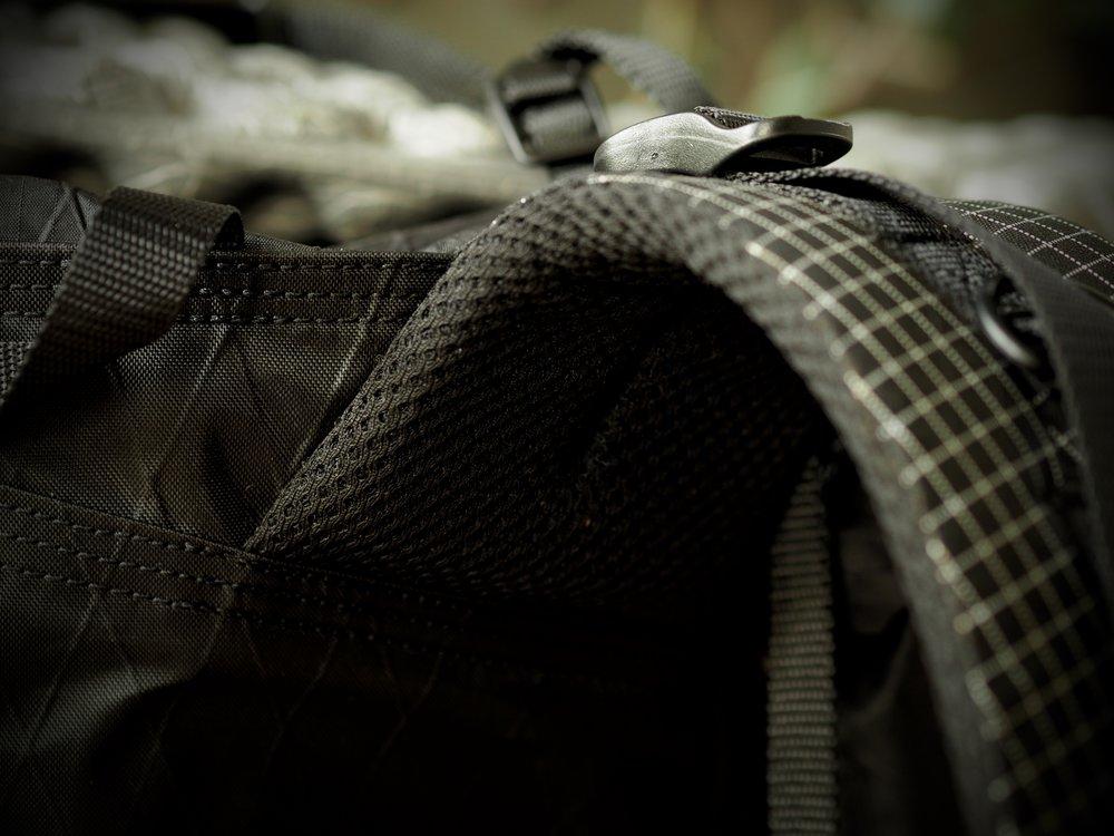 Shoulder strap details.