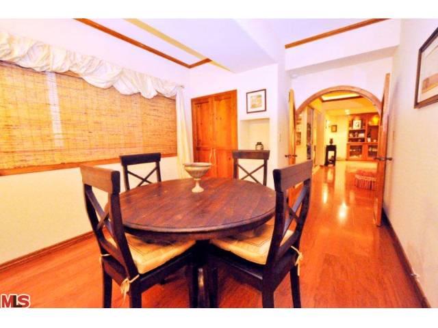 838 Dining Room.jpg