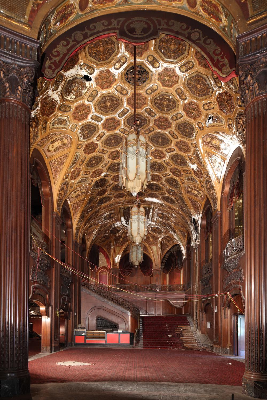 Kings Lobby 7.jpg