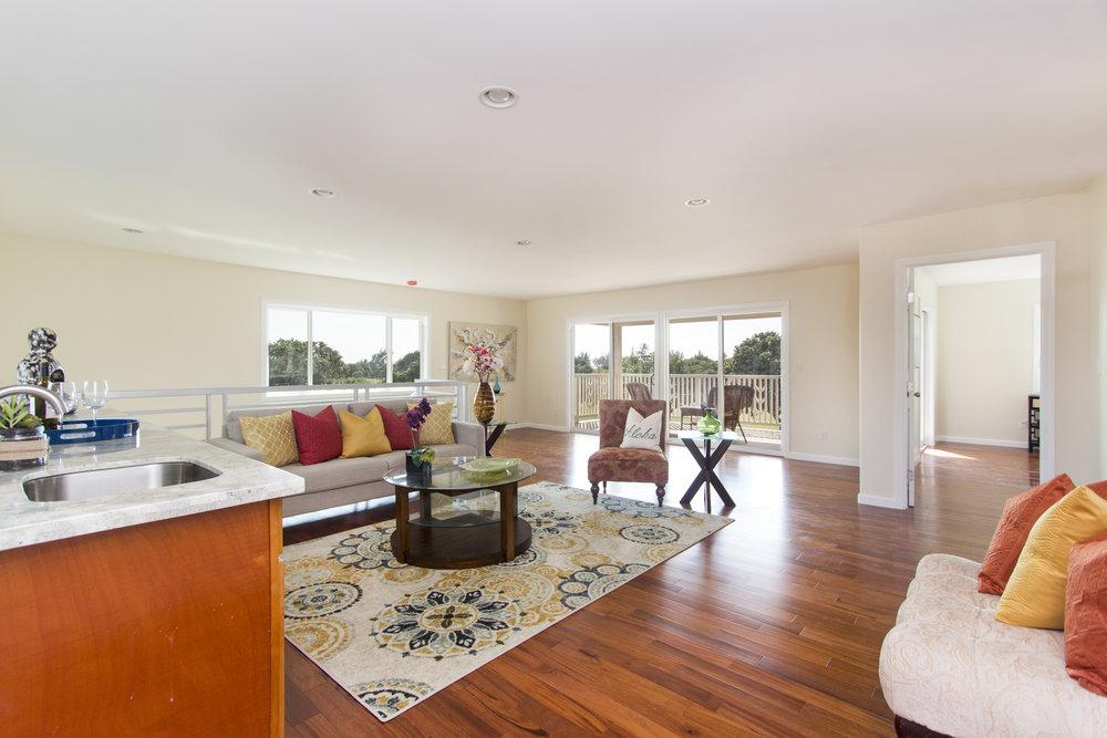Upper Living area 3.jpg