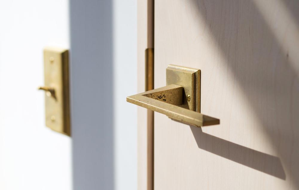 Matureware_Brass_Nalata_A_Closer_Look_Door_Lever_Handle.jpg
