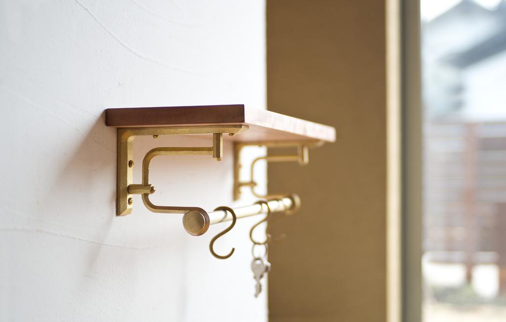 Matureware_Brass_Nalata_A_Closer_Look_Shelf_Bracket.jpg