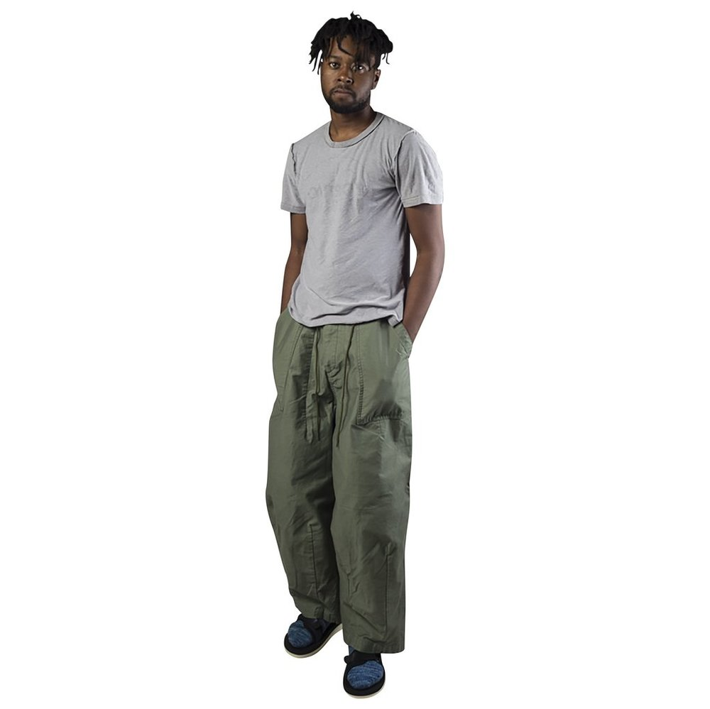 NEEDLES-HD-PANT_FATIGUE_AW16-OLIVE-POSE-FRONT-MEYVN-CHICAGO_grande.jpg