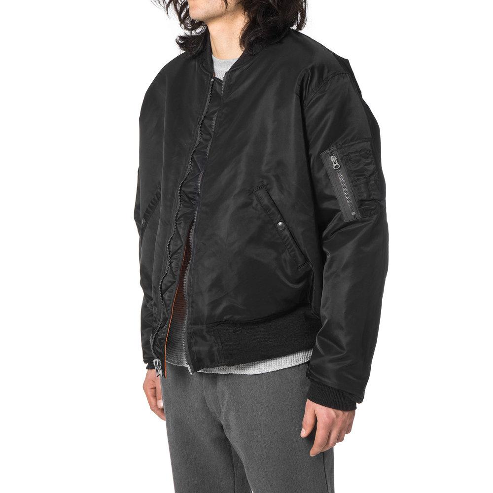 UNUSED-US1232-Jacket-BLACK-3.jpg