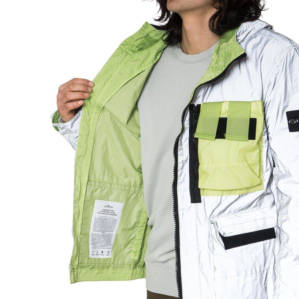 Stone-Island-Garment-Dyed-Plated-Reflective-White-Mussola-Gommata-Jacket-PISTACCHIO-9_1_2048x2048.jpg