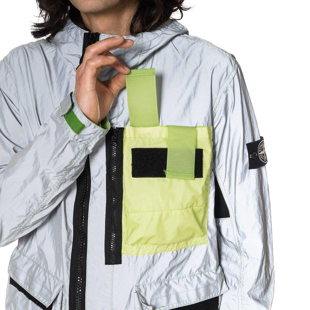 Stone-Island-Garment-Dyed-Plated-Reflective-White-Mussola-Gommata-Jacket-PISTACCHIO-6_2048x2048.jpg