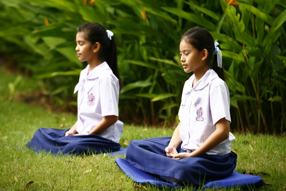 girls-buddhism-meditation-tailor-seat-buddhist.jpg