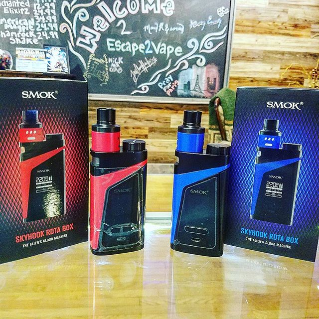 We have the red & blue Skyhook RDTA boxes 👌😎 great box for drippers!!