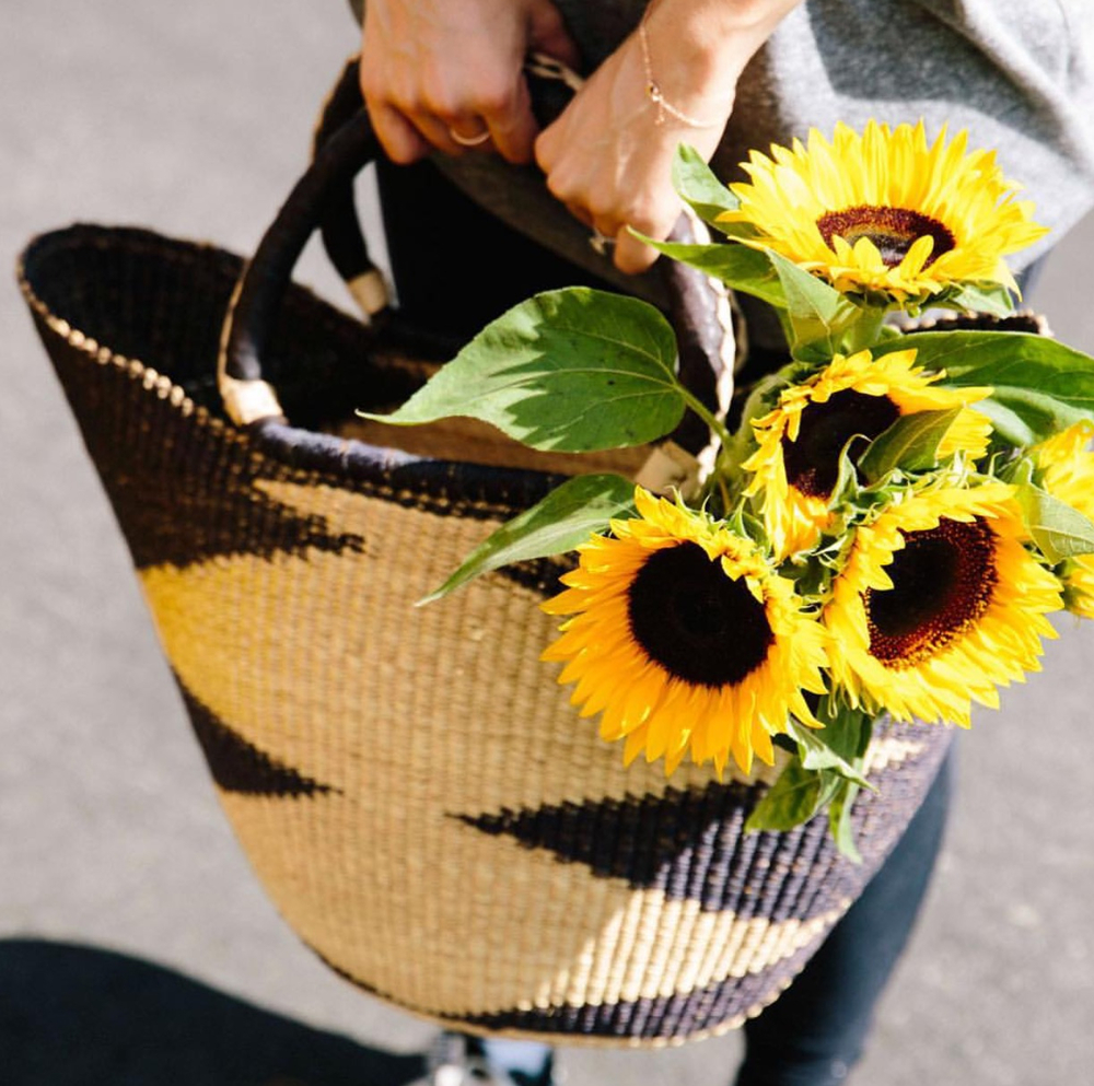sunflowers farmer market.jpg