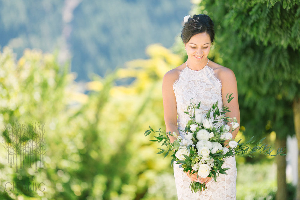 Summer bride | Wanaka Wedding Make-up | www.roadtobeauty.co.nz | photography by Into the Clearing