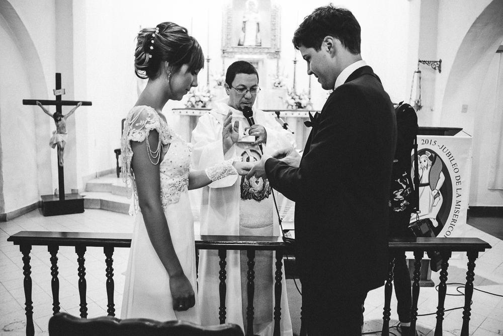 casamientoencausana-bodaencausana-fotografodecasamientoencordoba-fotografodebodaencordoba-fotoespontanadecasamiento-fotoespontaneadeboda-Malagueño-iglesiademalagueño (82).jpg