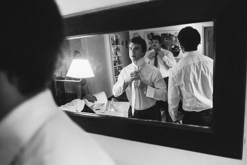 reflejo en el espejo del novio