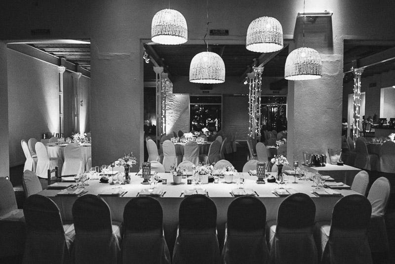 detalle mesa del salón de fiestas