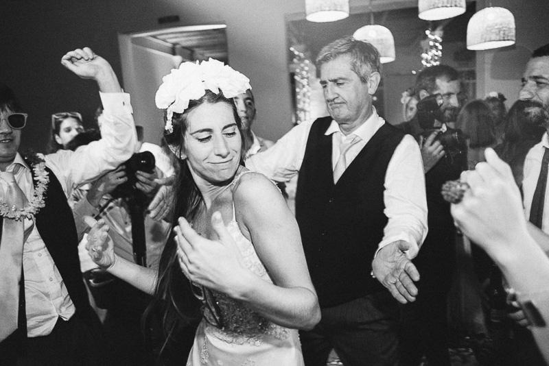 novia y su padre bailando