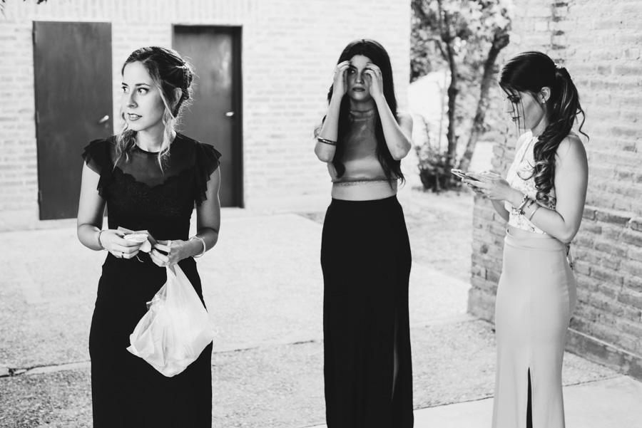 invitados aguardando la llegada de la novia