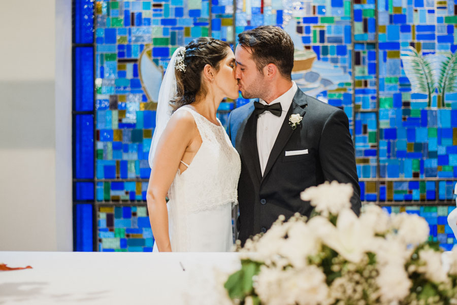 beso de los recién casados