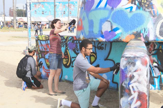 Creative and Interactive Guided Walking Tours of Venice Beach, Arts District, DTLA, Hollywood, Los Angeles California. Team Building. Imagineer. Improviser.